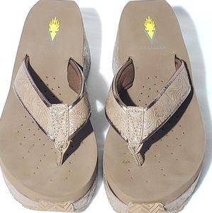 Volatile flip flops